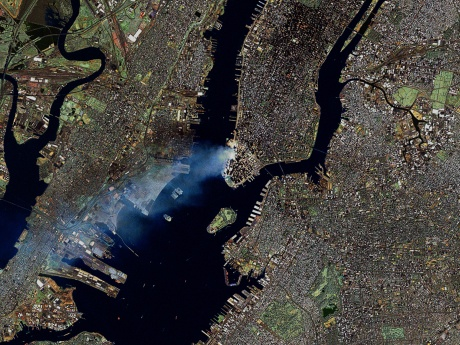 Manhattan_on_September_12_-_Landsat7